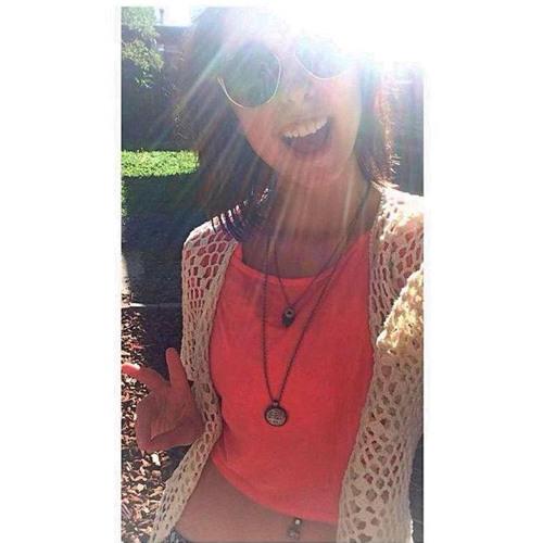 Maria Sandova's avatar