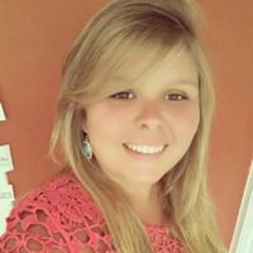 Raphaela Machado's avatar