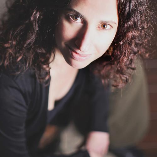 Andrea Nakayama's avatar
