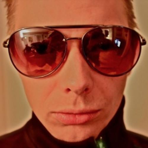 Chris Remix's avatar