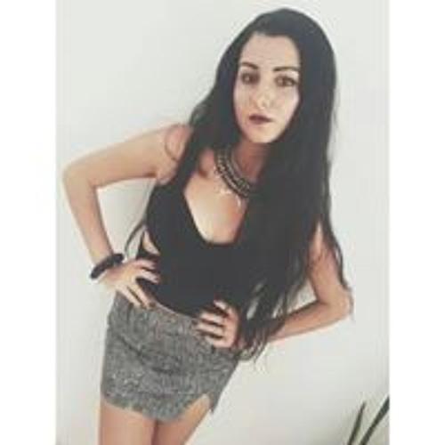 Lisa Caruana's avatar