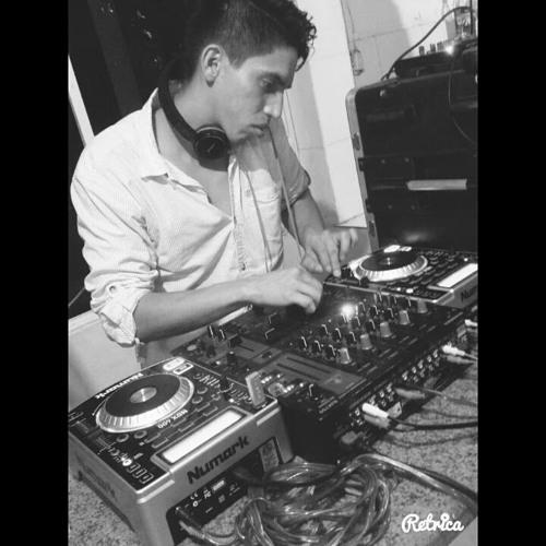 Darwin Moreira Dj-Treno's avatar