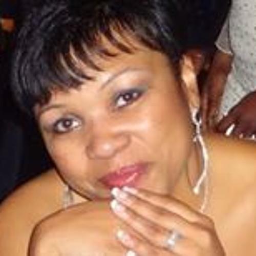 Celeste Freeman's avatar