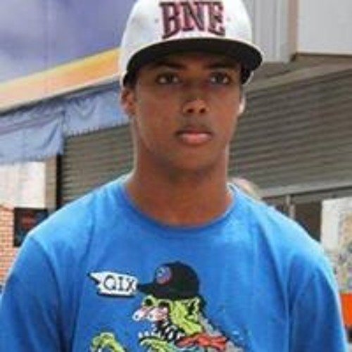 Felipe Medeiros's avatar