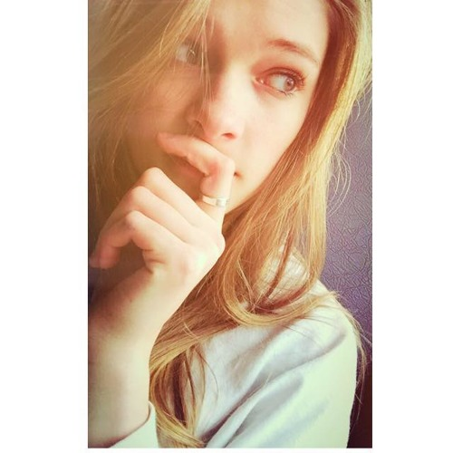 Lexi Lea's avatar