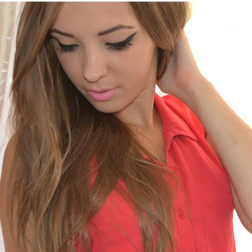 Camilla Walter's avatar