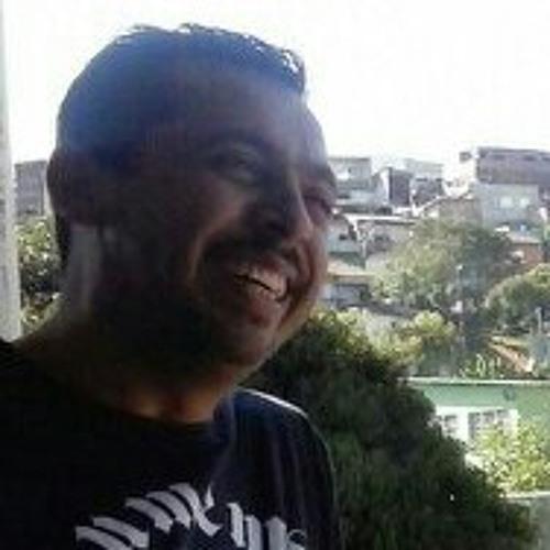 antoniogomes's avatar