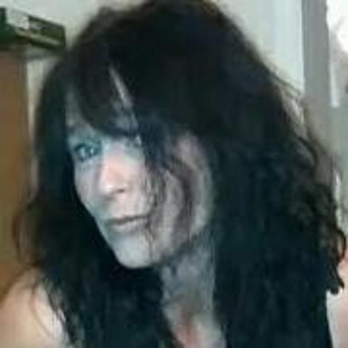 Caroline Roberts's avatar
