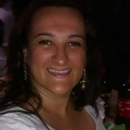 Andressa Romanini's avatar