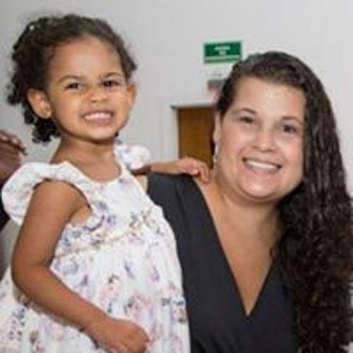 Carolina Nunes's avatar