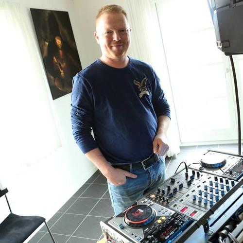 DJ Henrik Andersen's avatar