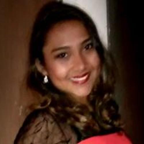 Renata Nascimento's avatar