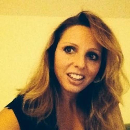 ESTELLE :)'s avatar