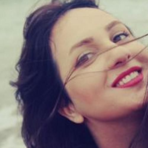 Ramona Rezaie's avatar