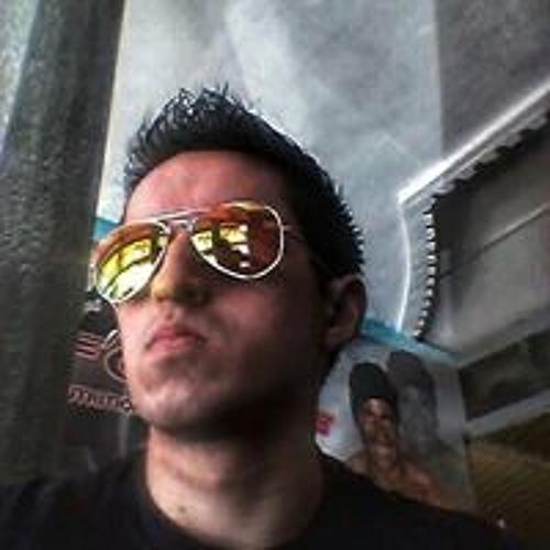 Eduardo Reyes's avatar