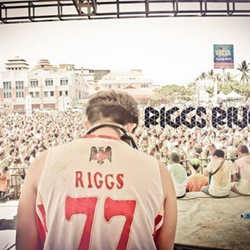 Riggs Rivelli's avatar