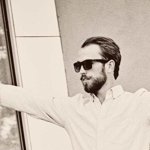 Adam Henrie's avatar