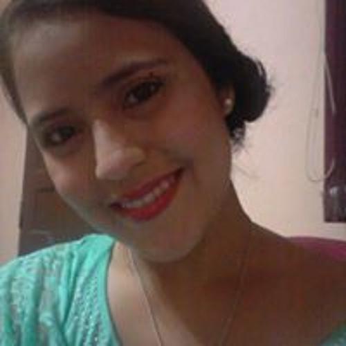 Lari Saavedra's avatar