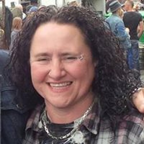 Shelley Michelle's avatar