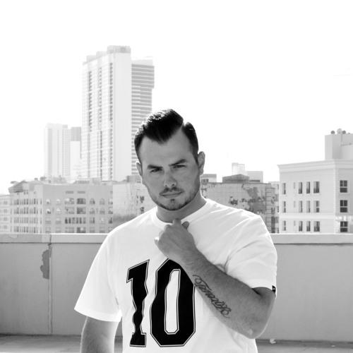 DJ Ea$ton's avatar