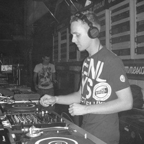 DJ Nick Coles's avatar
