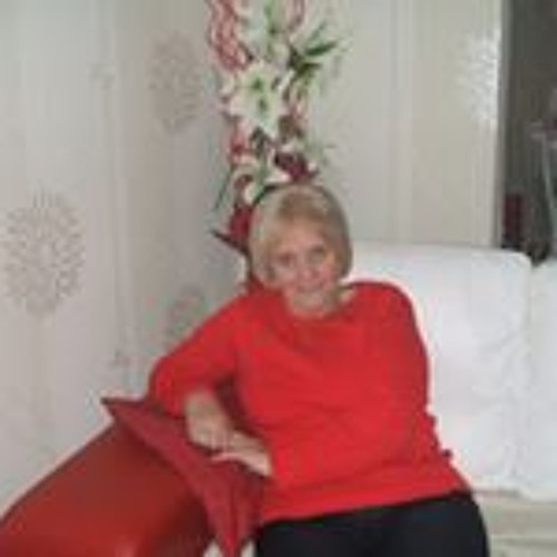 Ella Robertson's avatar