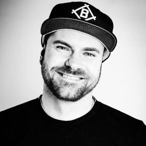 DJ Kitsune's avatar