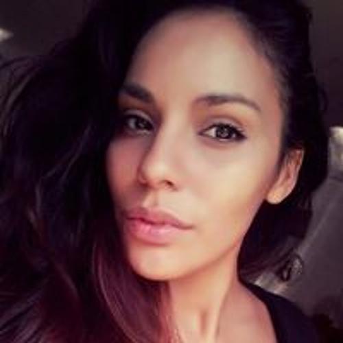 Veronica Calles's avatar