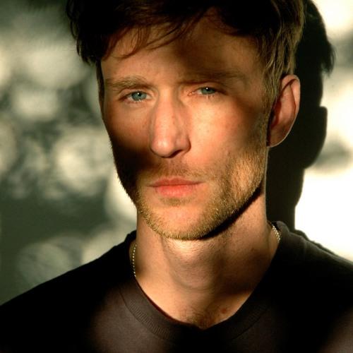 Julián Peña's avatar