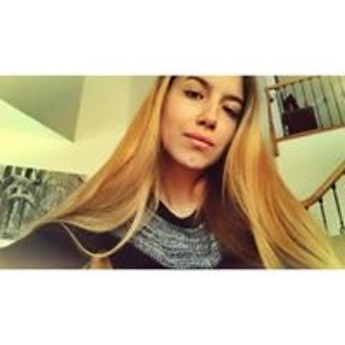 Camila Leone's avatar