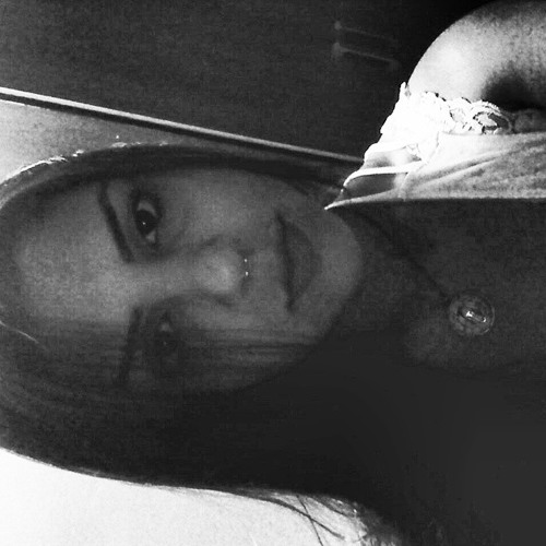 Kamila Barros ॐ's avatar