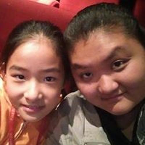 Lucy Tu's avatar