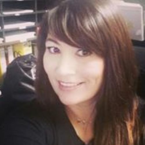 Mercedes Ross's avatar