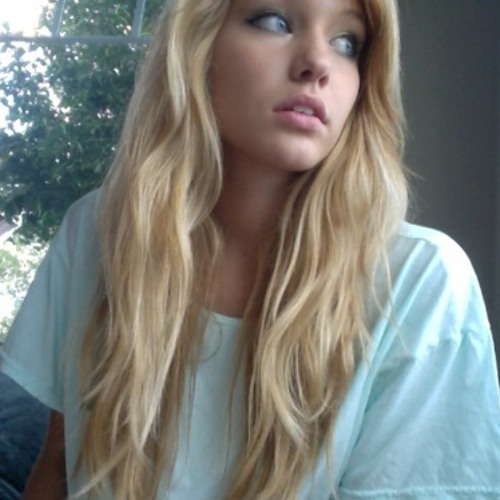 Débora Lara's avatar
