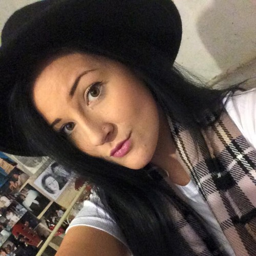 Elizabeth Barber-binks's avatar