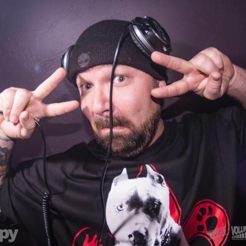 Dan DeSum1's avatar