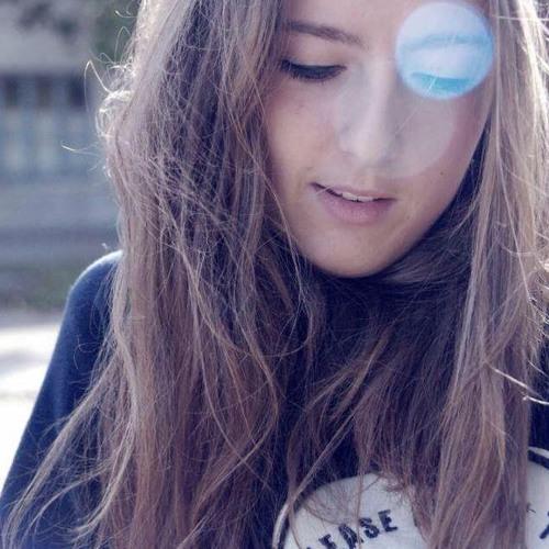 Emma Stoned's avatar