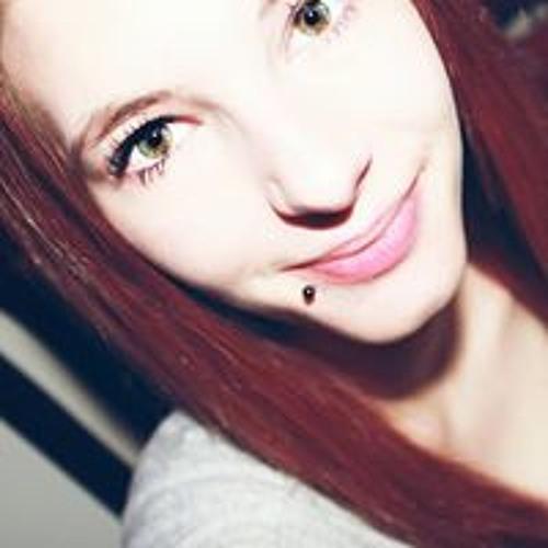 Melly Swe's avatar