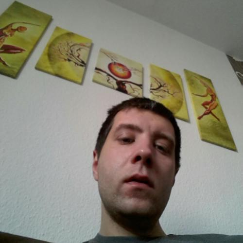 Tino Goeh's avatar