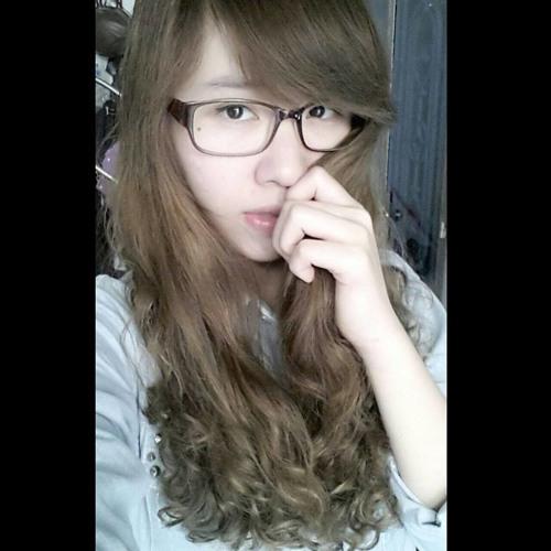 Trang Jolie's avatar