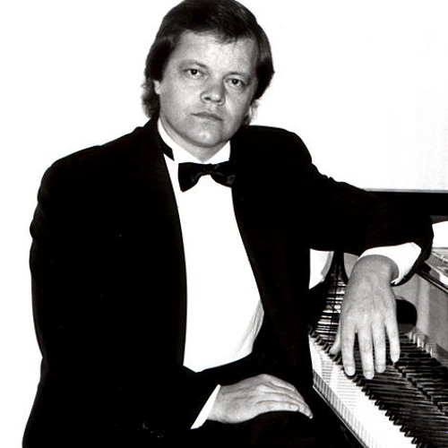 Romantic Piano's avatar