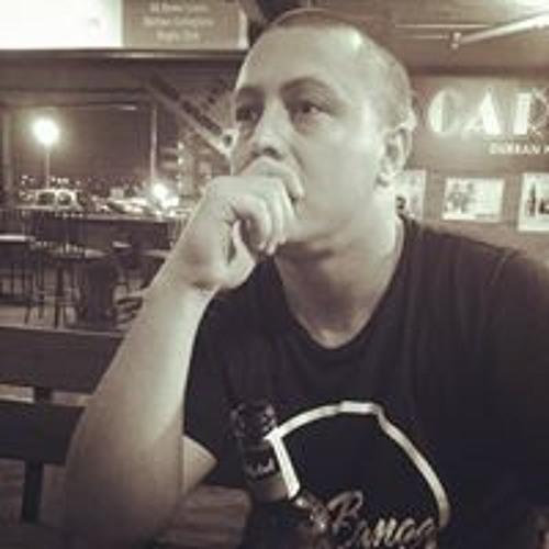 Wade Mark Rynhoud's avatar