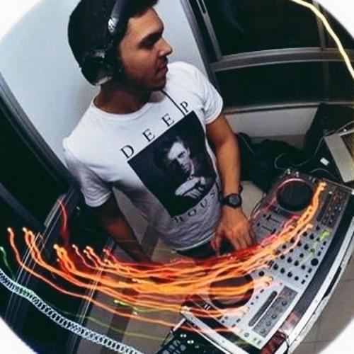 Bernardo Oliveira's avatar