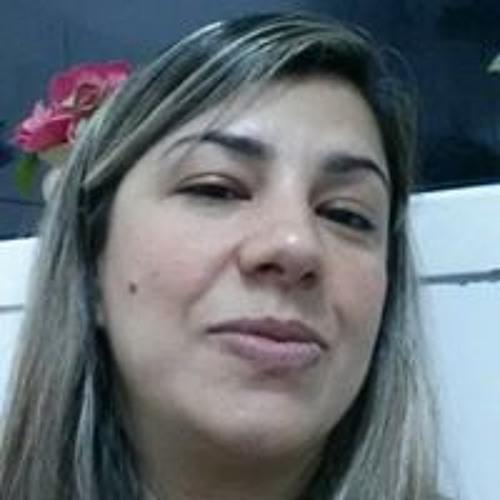 Vania Alves's avatar