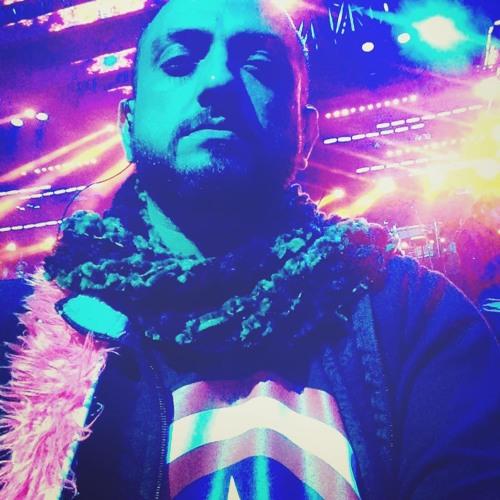 Sanjeev T's avatar