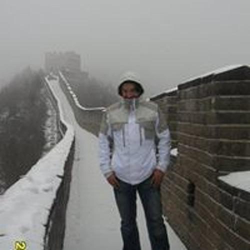 Marlon Mago's avatar