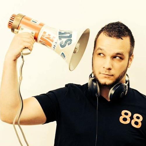 reyez88's avatar