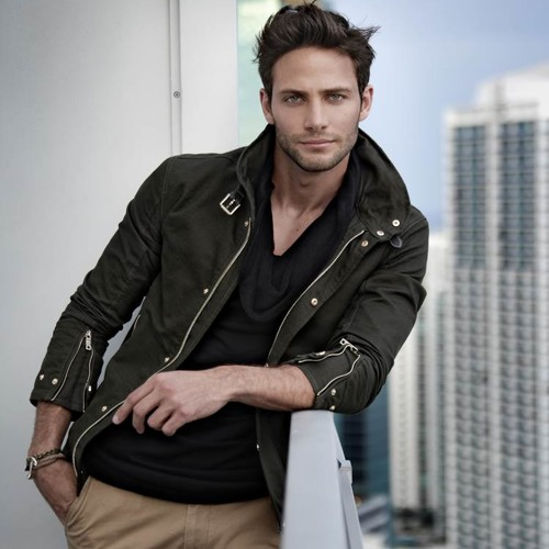 Gabriel Coronel's avatar