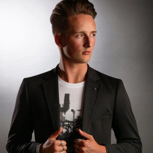 DJ Nick Salvador's avatar