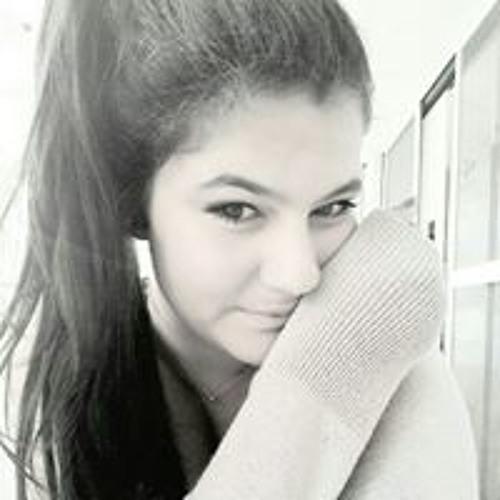 Luiza Canquerini's avatar